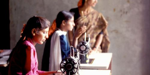 یک پنجم زنان در کشورهای در حال توسعه فکر میکنند استفاده از اینترنت برای آنها مناسب نیست